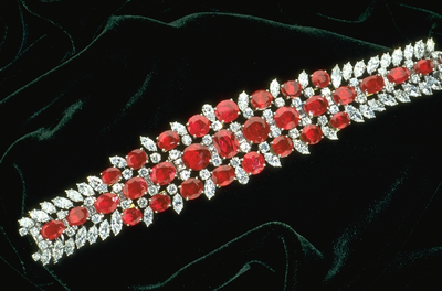دستبند یاقوت سرخ